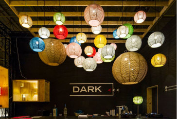 Unieke materialen en mondgeblazen glas bij Dark