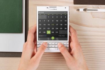 Blackberry stelt vierkante Passport voor