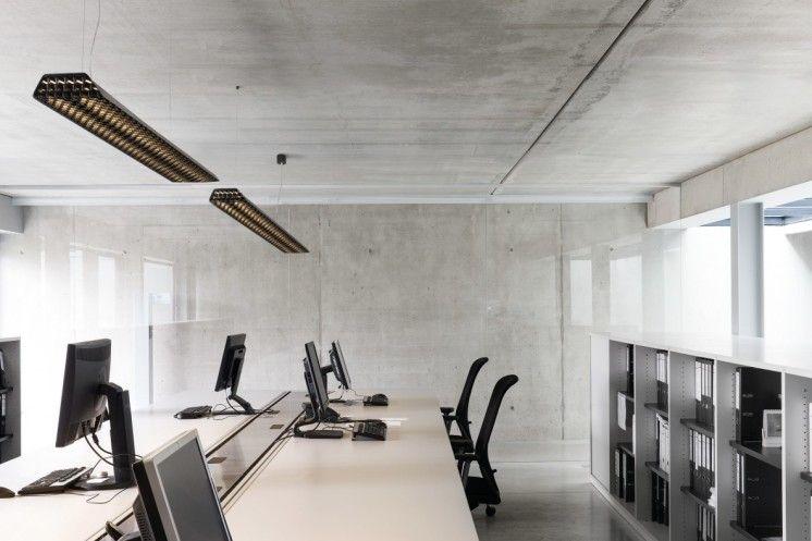 Modular ontwijkt designregeltjes met kantoorverlichting Vaeder