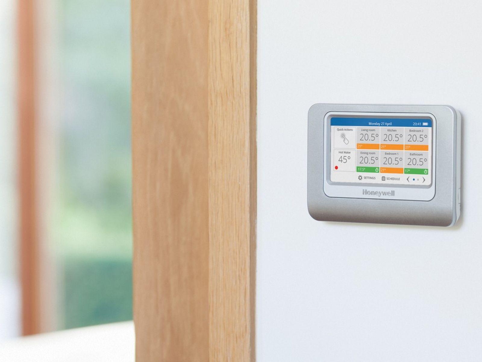 Honeywell Badkamer Verwarming : Besparen op verwarming met slimme thermostaat evohome