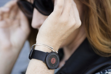 Pebble doorbreekt stramien en gaat voor ronde smartwatch