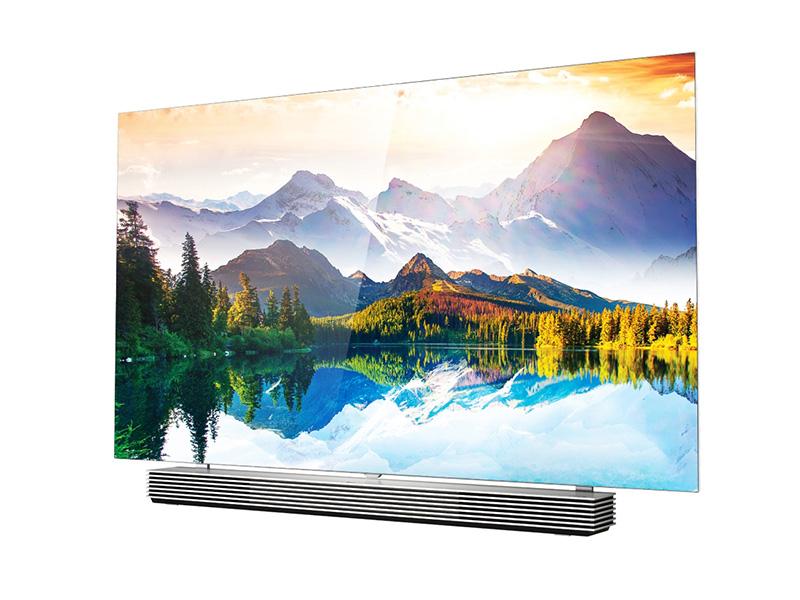 LG stelt televisienieuwigheden voor