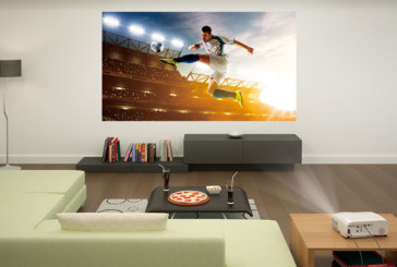 Voetbal kijken op televisie of projector? De voor- en nadelen opgesomd