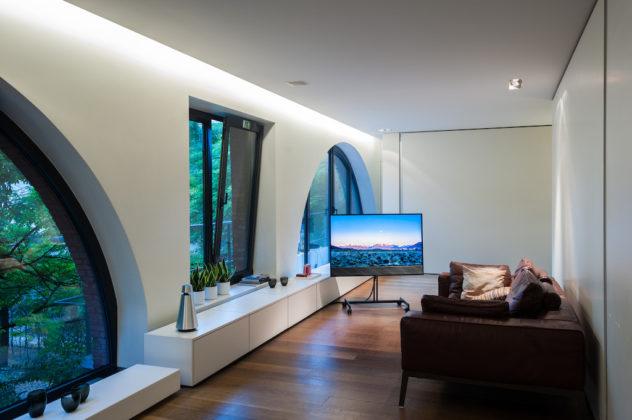 Bang & Olufsen Horizon TV