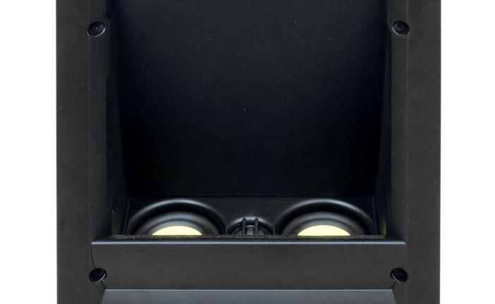 Dolby Atmos luidspreker in de muur (ISE 2017)
