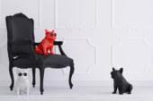 Draadloze luidspreker in de vorm van een Franse bulldog
