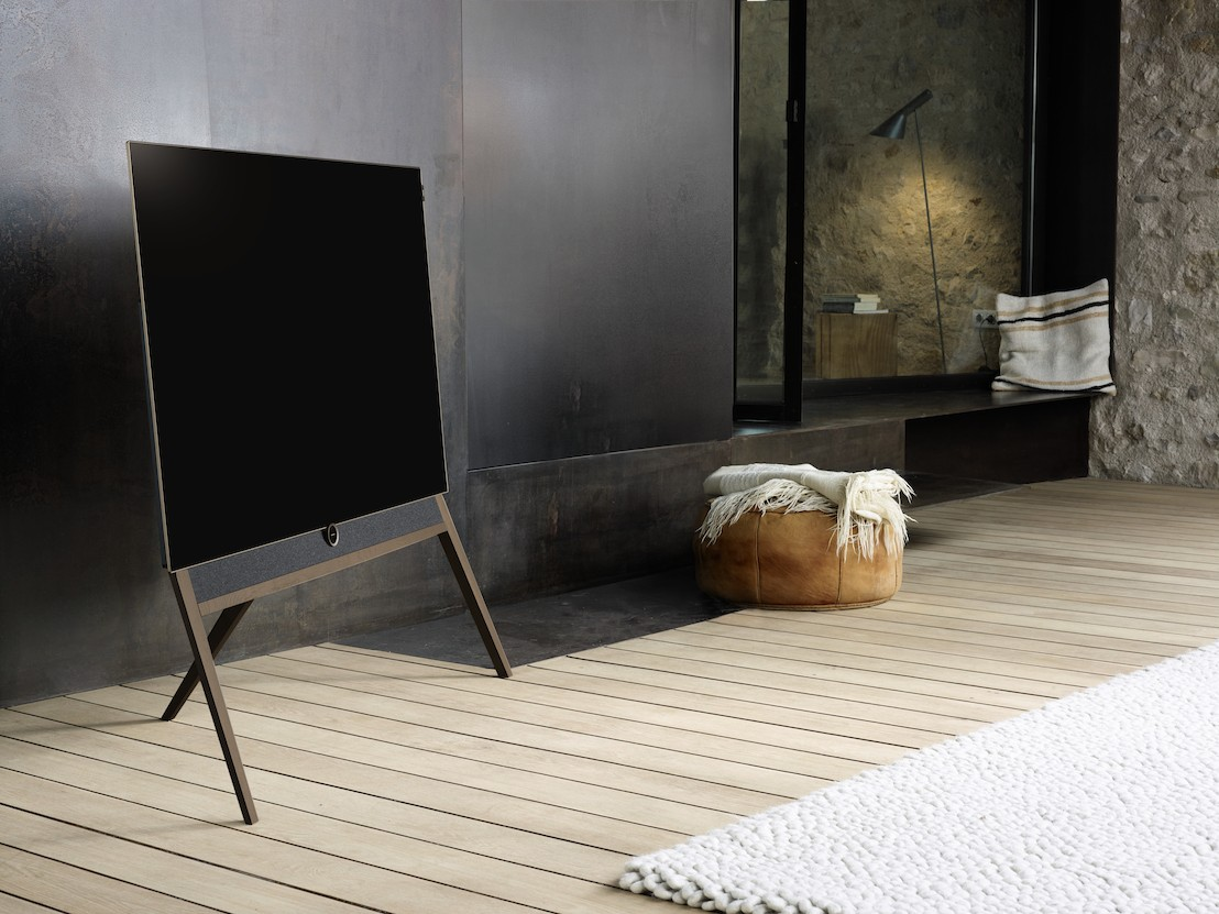 loewe bild 5 oled televisie knap retro design. Black Bedroom Furniture Sets. Home Design Ideas
