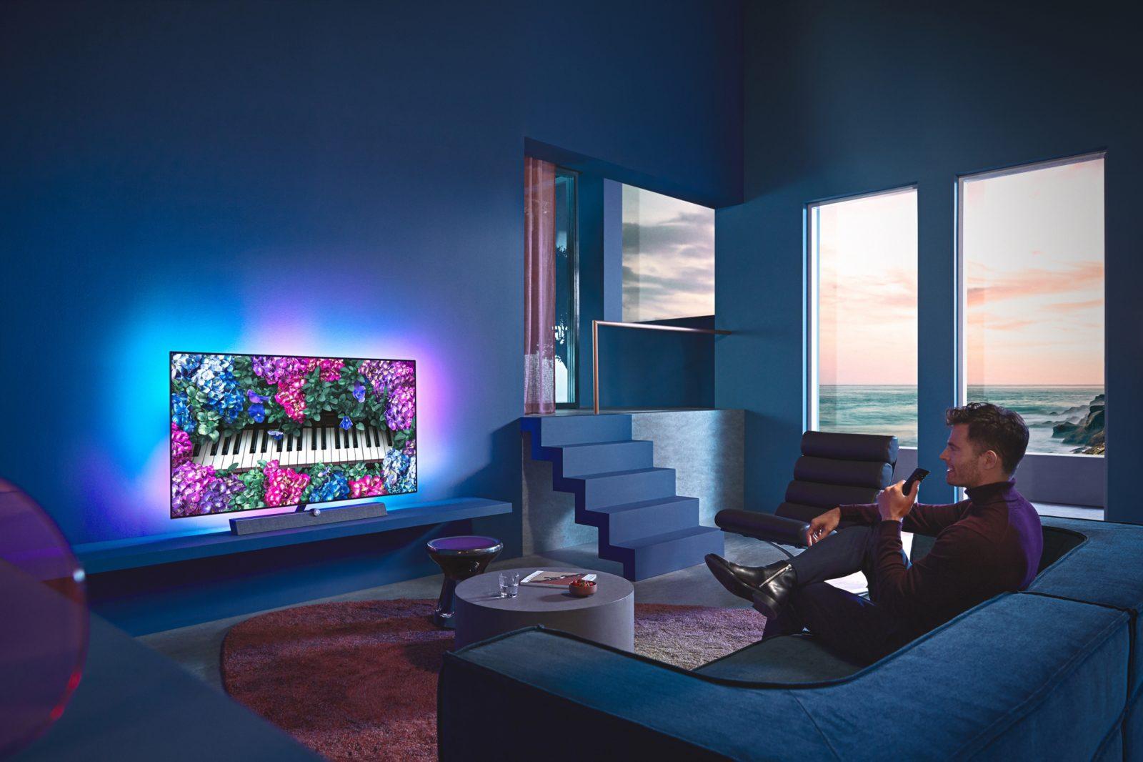 Philips OLED+935: premium oled tv ook in 48 inch versie met Bowers & Wilkins-soundbar
